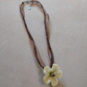 Jewelry - Clay flower necklace